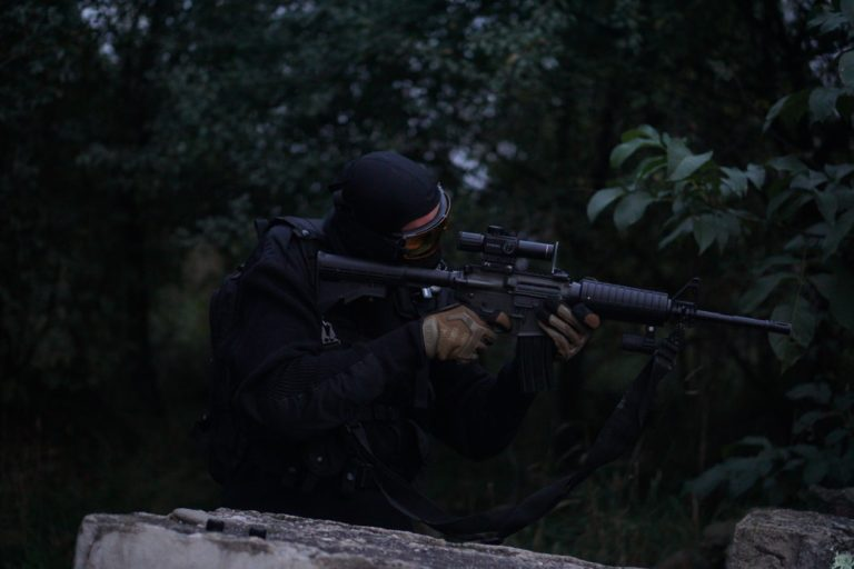 8 Most Realistic Paintball Guns of 2021 | Buyer's Guide & Reviews